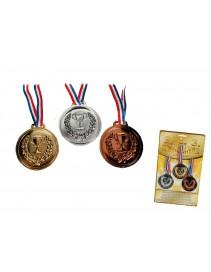 Tri medaily